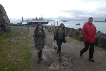 M.J., Jordanna and Jonny arrive on Muck