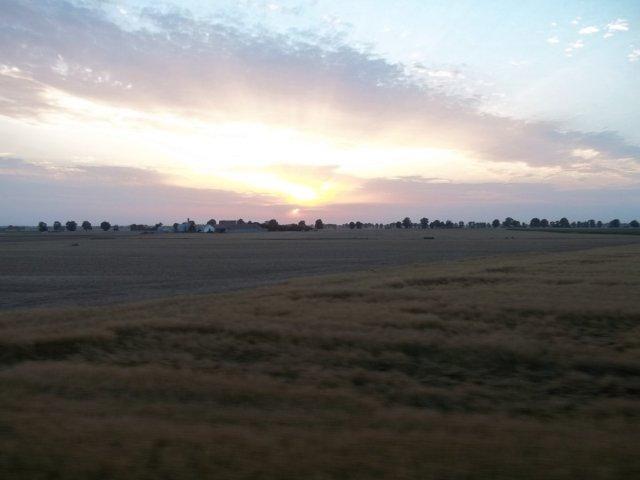 I nakoniec przepiękny zachód słońca widziany zpociągu relacji Gdańsk - Gniezno