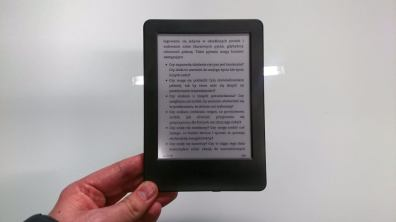 Kindle 7 trzyma się bardzo lekko