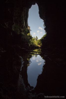 cave-with-3-clouds-vert