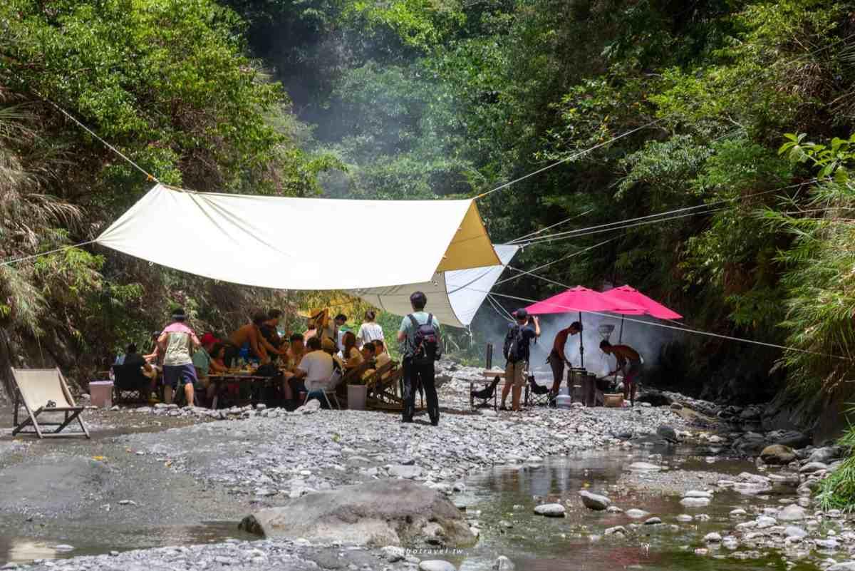 溪畔餐桌2