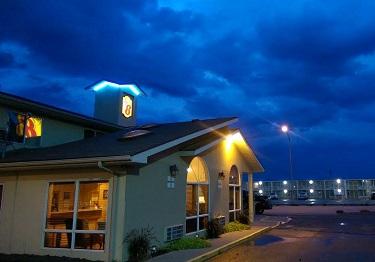 The Super 8 hotel in Liberal, Kansas (Bob Sullivan)