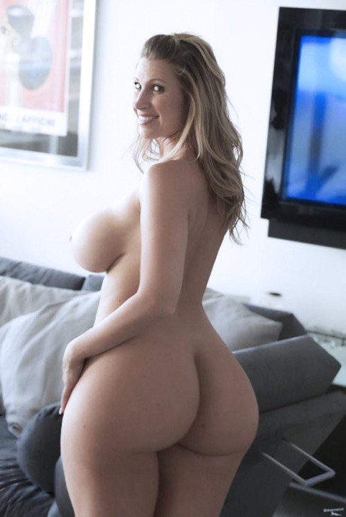 chicks with tits tumblr