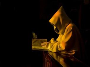 monastic-892682_640