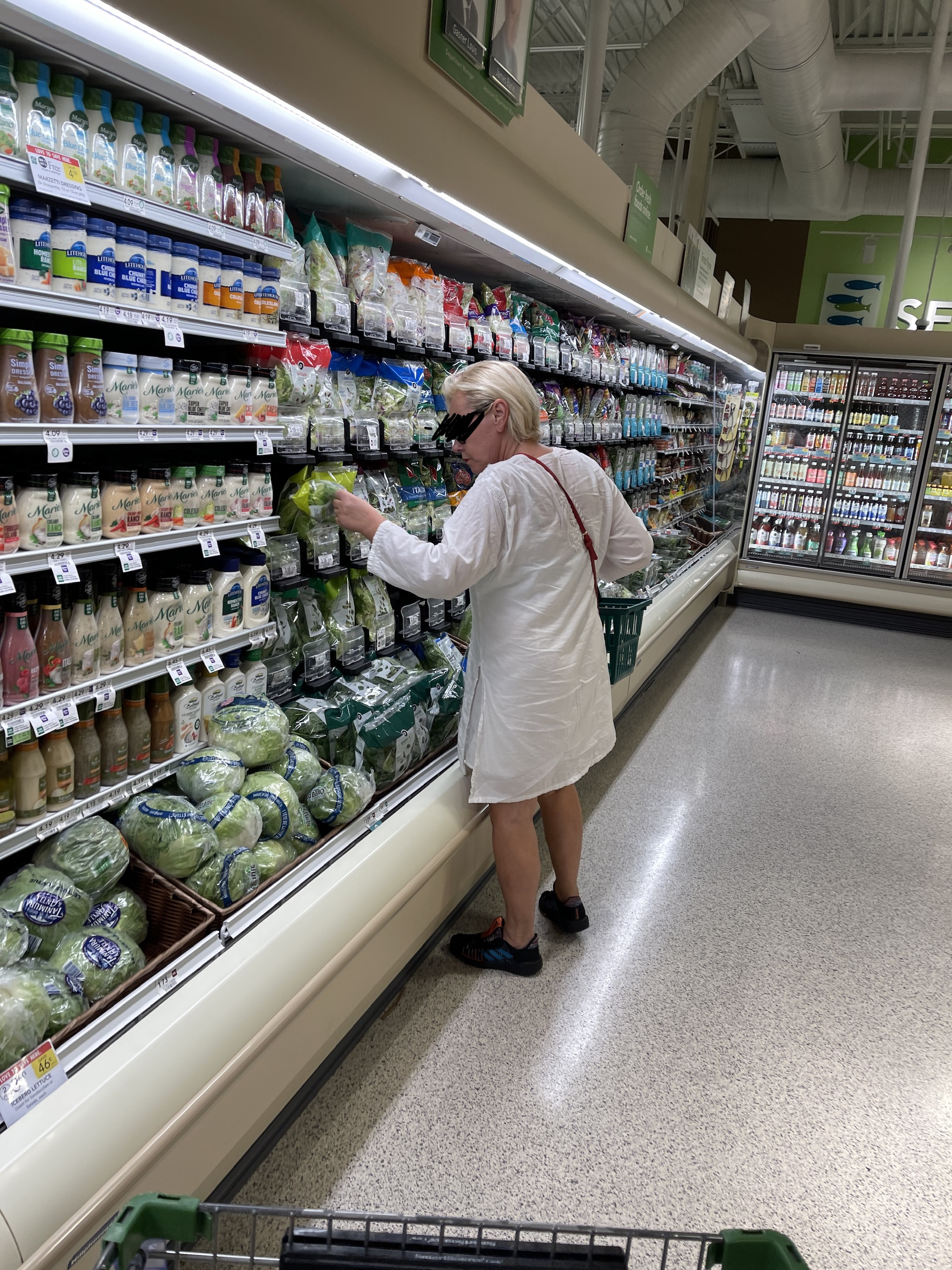 Publix Ignores Maskless Woman As Stunned Shoppers Ask Her To Cover Mouth, Nose