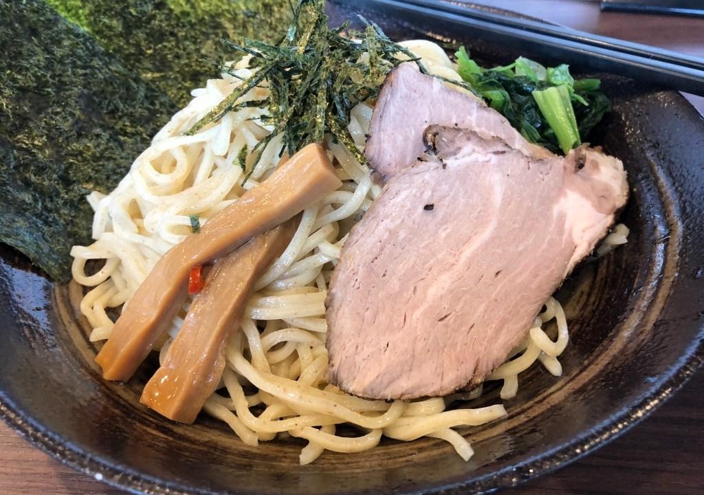 港南台ラーメン麺やかがの豚骨つけ麺