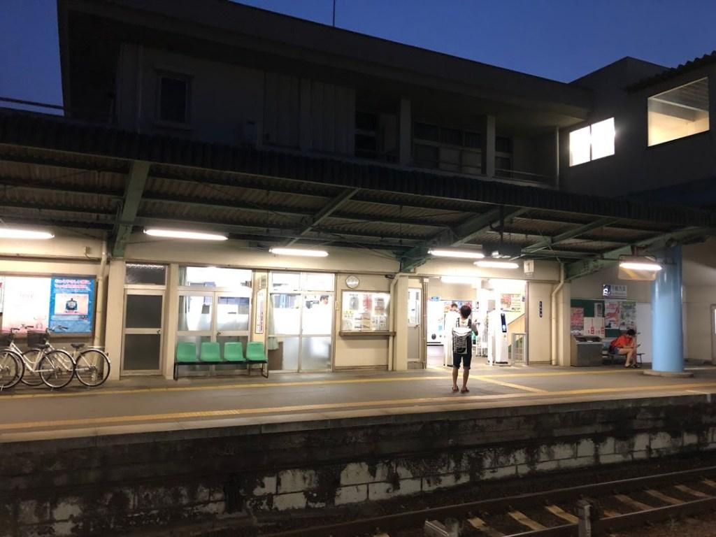 夜の下妻駅
