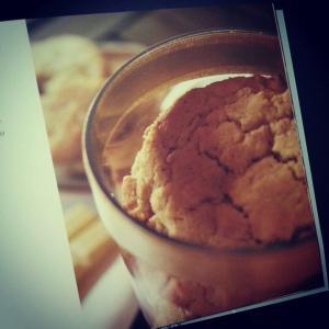 Cookies di riso e cioccollato bianco
