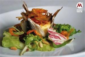 Fior di sardina con carciofini, sarde, pinoli e fiori di zucca