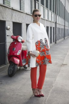 Veronica Ferraro in Maison Albino with a Oui Odile bag and Valentino heels