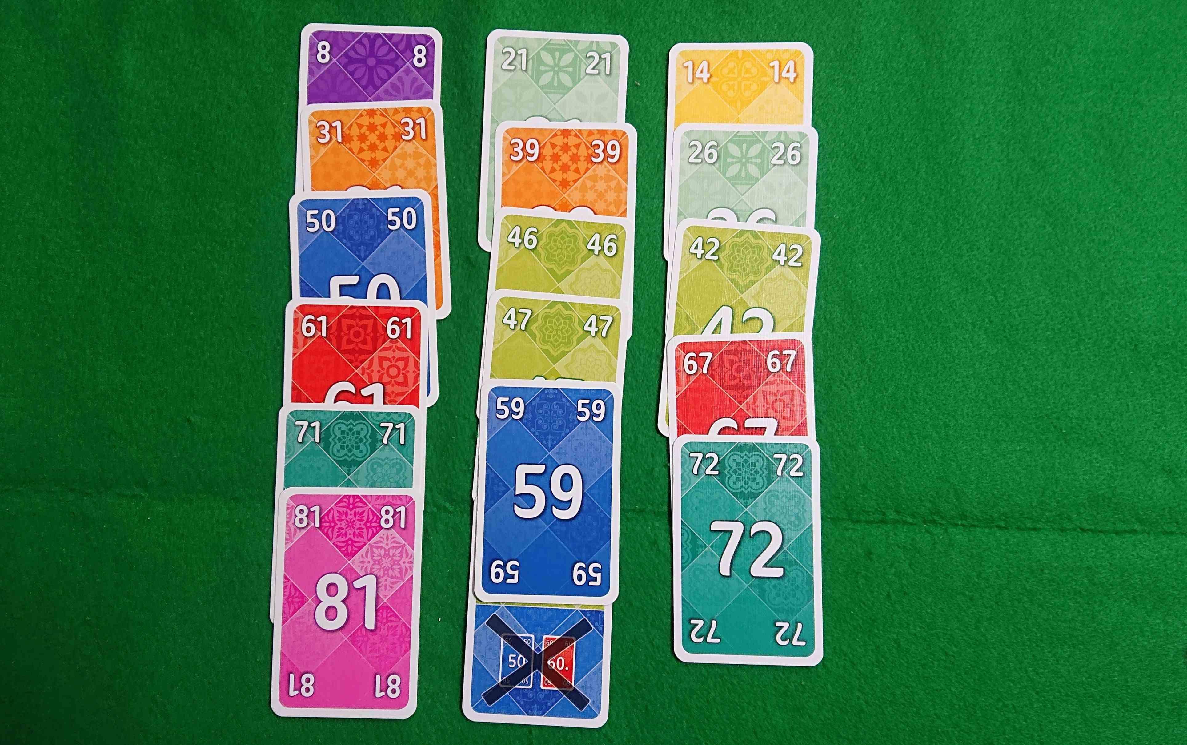 3×8(スリーバイエイト)早く3列を作るカードゲーム 邪魔も出来ます! ボードゲーム