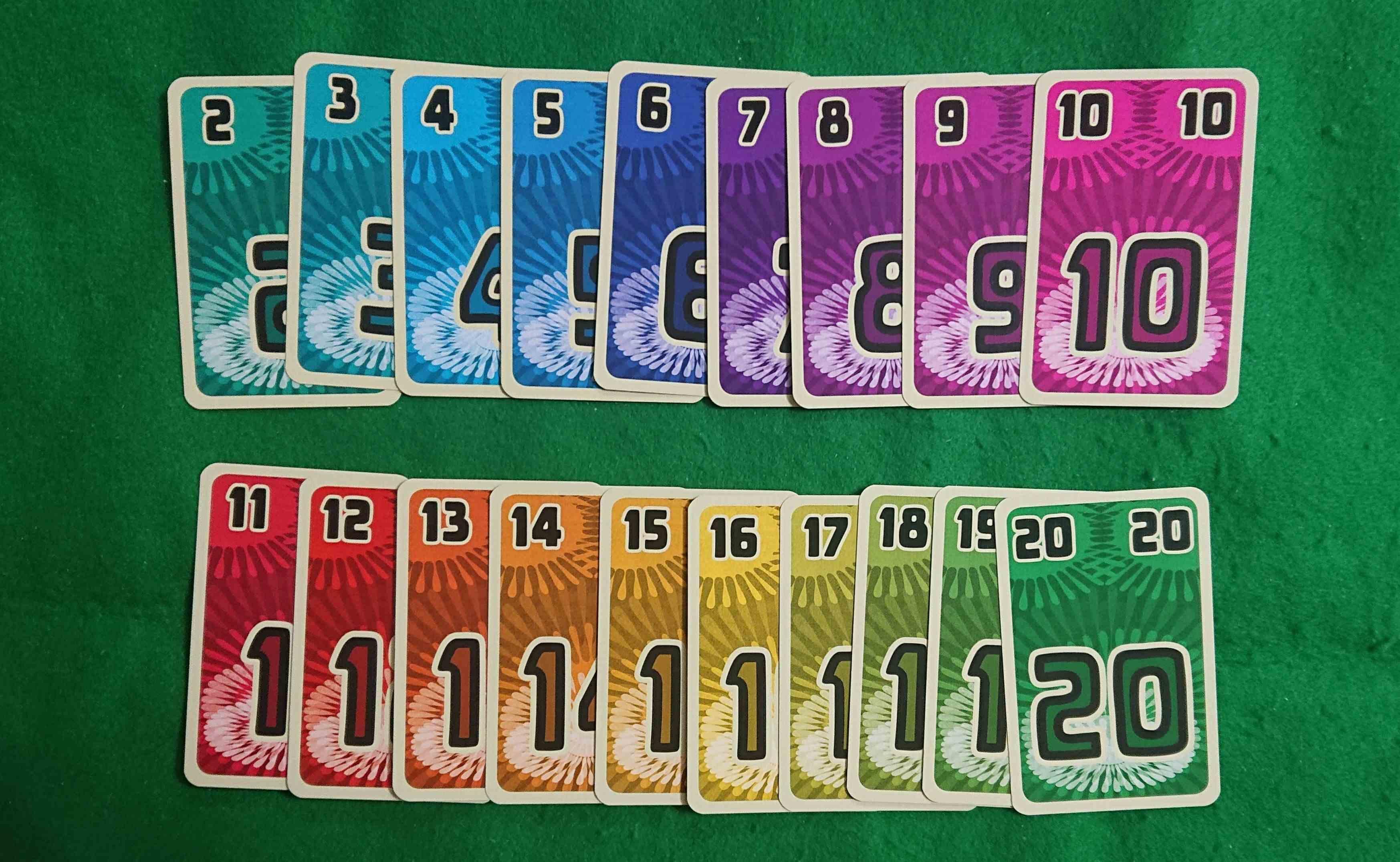 フッチカート 他人のカードを吹き飛ばそう! 初心者でも大人数でも楽しめる カードゲーム