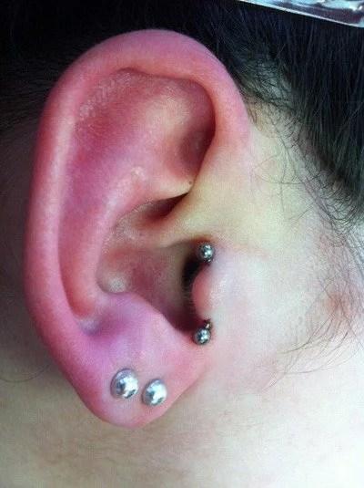 piercing tragus vertical