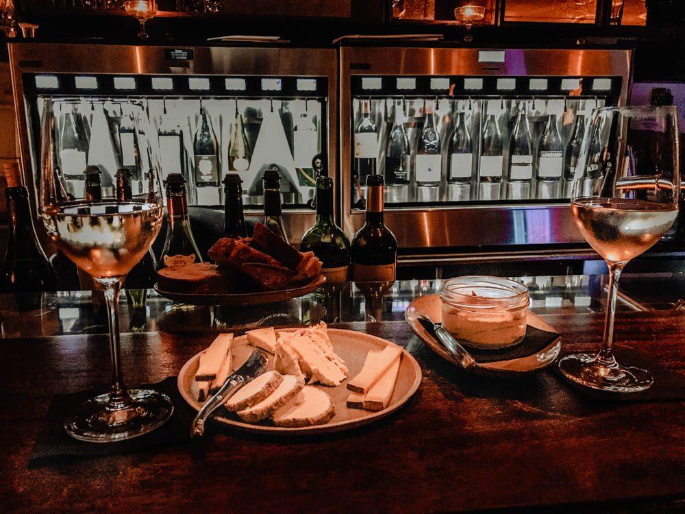 Le FROMAGE : spécialité française, conseils healthy et bonnes adresses parisiennes La compagnie des vins surnaturelsbodyandfly