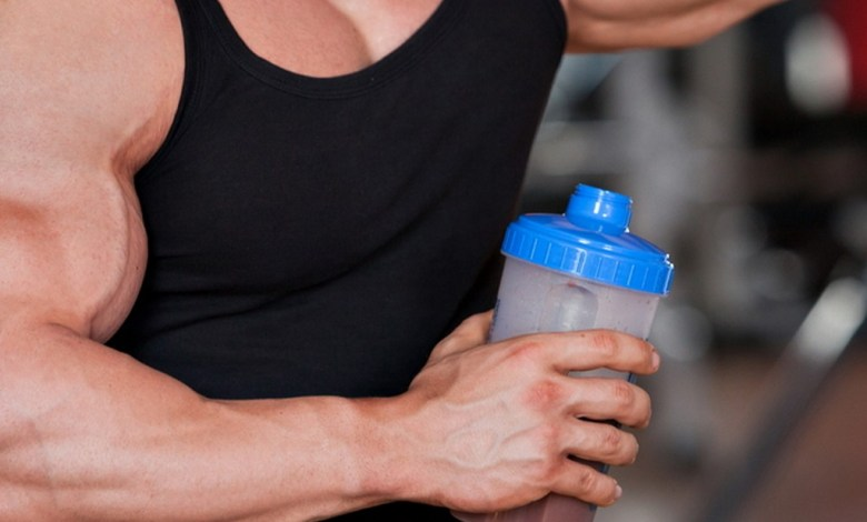كم يحتاج لاعب كمال الأجسام من البروتين يوميا