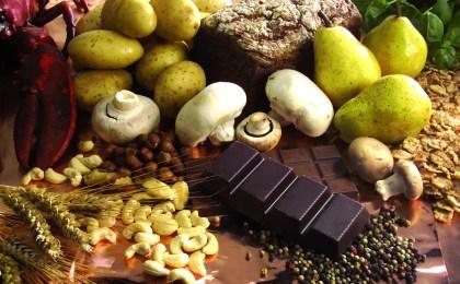 Gute Nachricht für alle Naschkatzen: Dunkle Schokolade enthält besonders viel wertvolles Kupfer.