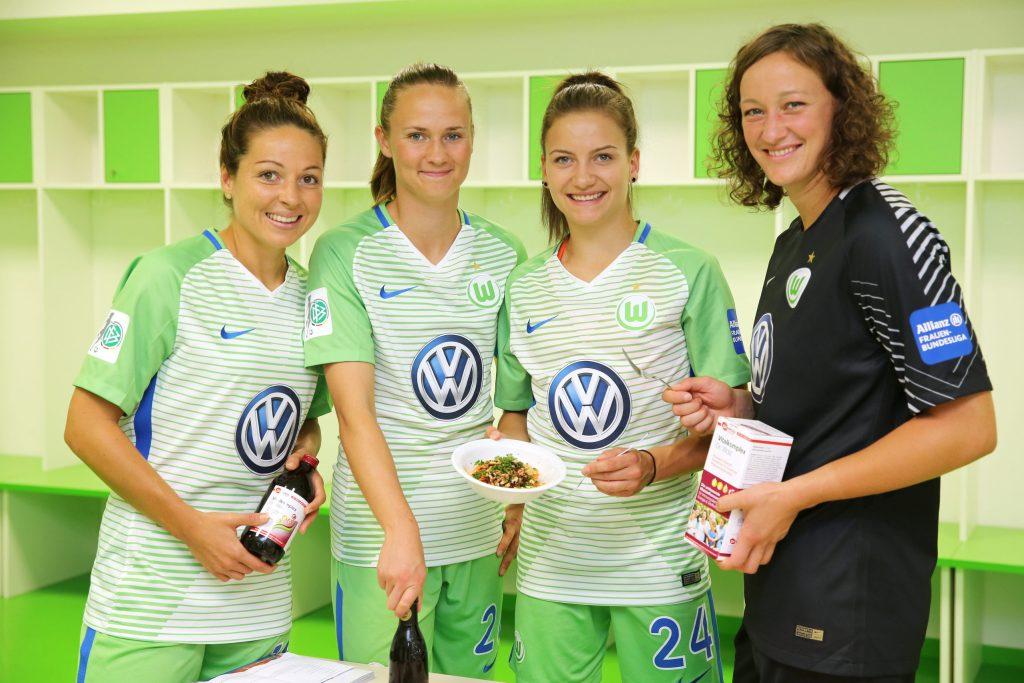 Die Fußball-Damen vom VfL Wolfsburg setzen als Deutscher Meister und DFB Pokalsieger 2018 auf sekundäre Pflanzenstoffe.