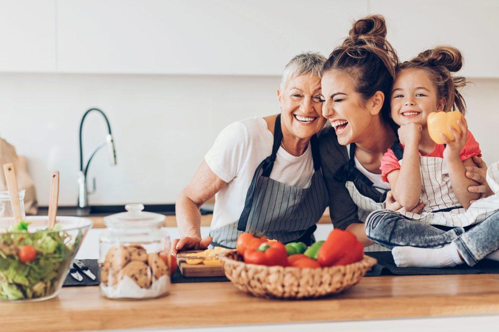 Die ideale Tagesmenge an Protein ist abhängig von Alter, Fitness- und Ernährungsziel.