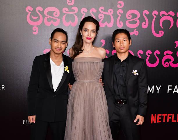 Hollywoods Legend Angelina Jolie Her Husbands And Children