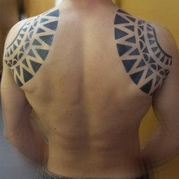 Airbrush Tattoo Tribal am Theater