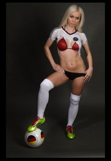 Fussball Bodypainting Fotoshooting Deutschlandtrikot 1