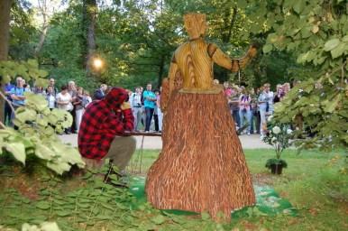 WOODY-Schloessernacht Bodypainting Living doll