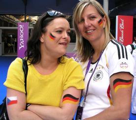 Fanschminken Fussball Flaggen