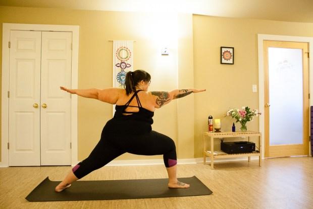 Plus size workout clothes: Manifesta Review   Body Positive Yoga
