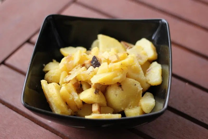 Veganer bayerischer Kartoffelsalat - der Burner auf jedem Grillfest!