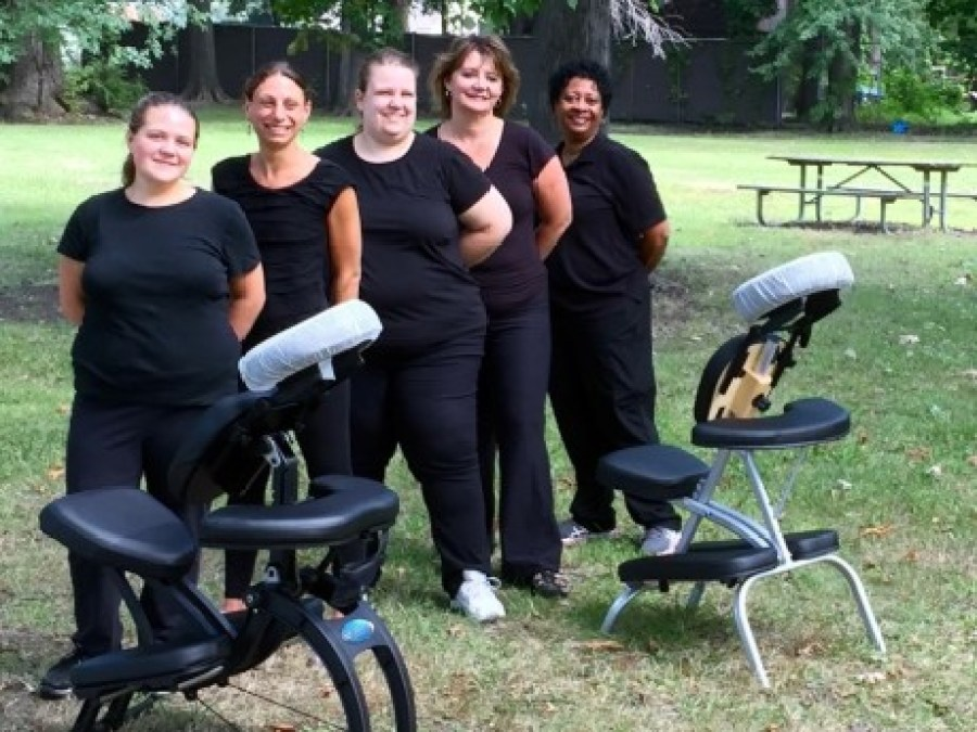 detroit chair massage corporate events corporate wellness health fairs employee wellness