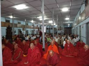 Marnix van Rossum mediterende monniken