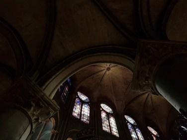 Notre Dame Parijs sept 2019 ramen hoog foto Sodis