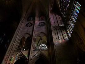 Notre Dame Parijs september 2019 raam in kerk Sodis