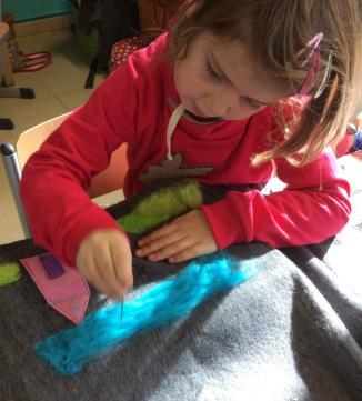 Atelier-stof&draad-kussen vilten-2015-09&10 (4)