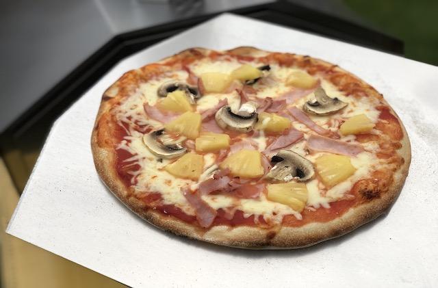 Pizza færdig efter 2 minutter lavet i  Uuni Pro