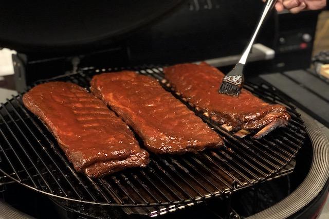 Steak-Out.dk - St. Louis Cut Ribs Kit Mobning med Danish BBQ - Classic BBQ Sauce