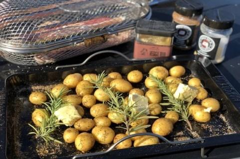 Kartofler med Traeger Veggie Rub o Drop In Bradepanden