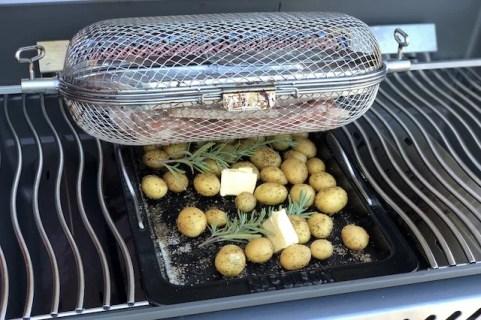 Flæsk med Rosmarin Kartofler på Napoleon Rogue 525SE
