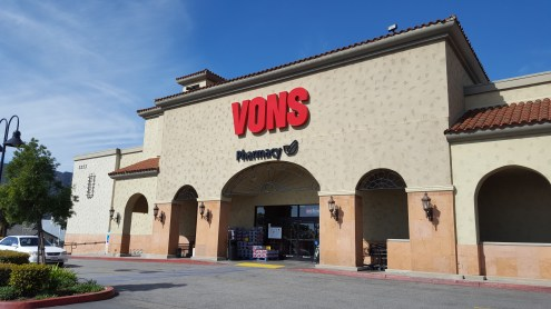 Exterior of Vons on Foothill Blvd.