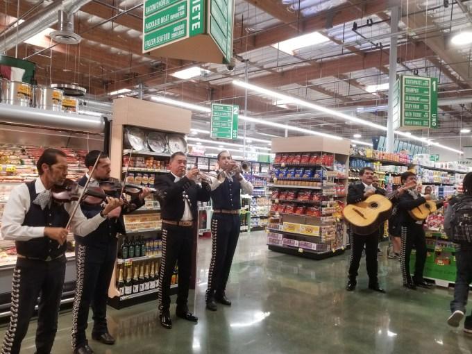 Checkin Vallarta Supermarket