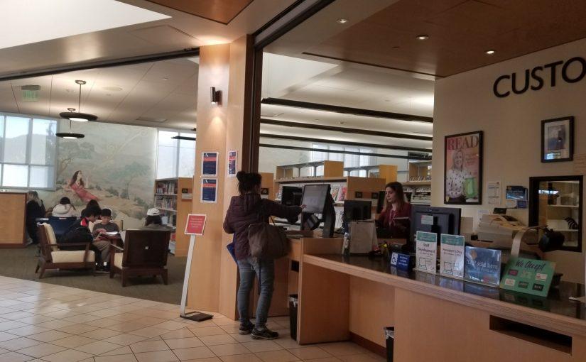 Help desk at the County of Los Angeles Public Library - La Crescenta