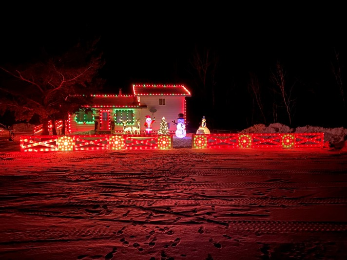 1st Place Lights: Ivan & Millie Sutherland