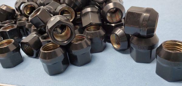 14mm x 1.5 OE Acorn Lug Nuts_Black