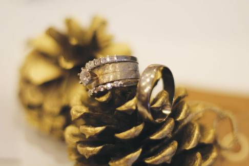 pinecone-place-card-with-ring-02