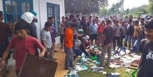 Sejumlah Pedagang Ikan di Aceh Bubarkan Bubarkan Paksa Tim Vaksinasi