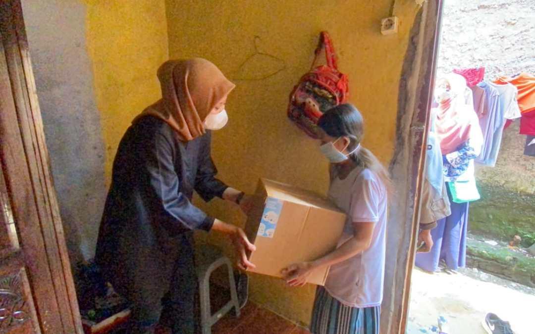 14 Komunitas Bogor Bersinergi untuk Berbagi 180 Paket Lebaran