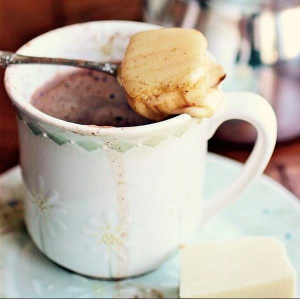 How Do Colombians Drink Hot Chocolate
