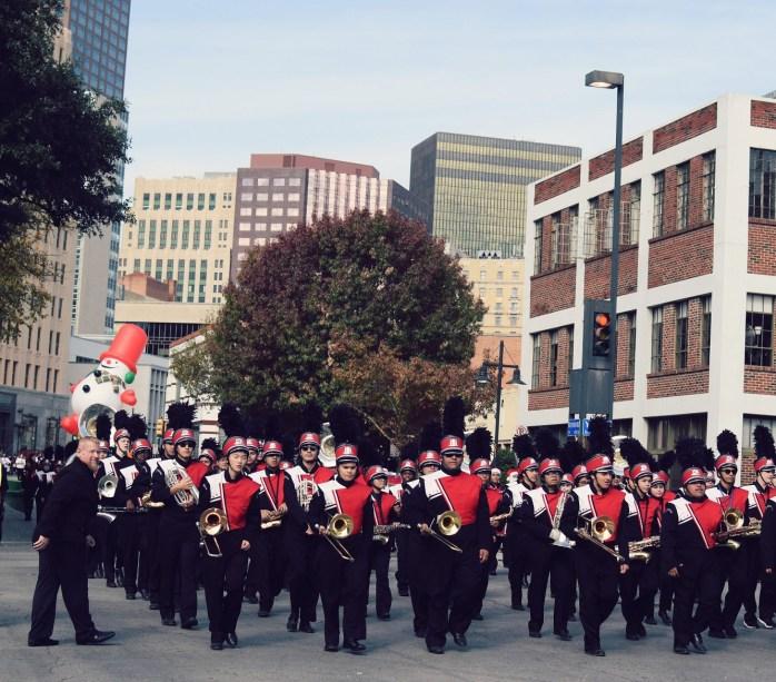 dallas holiday parade downtown marching band