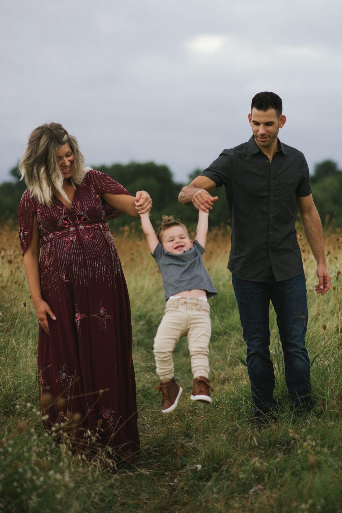 family maternity photoshoot
