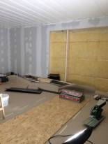 Innertaket i vad som ska bli nya allrummet har målats
